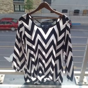 Other - Silky Flowy Chevron Resort Wear Top L/XL/XXL